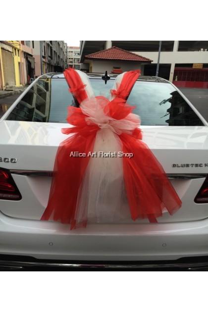 BRIDE AND GROOM CAR DECO